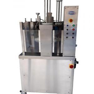 Maquina de envasar iogurte